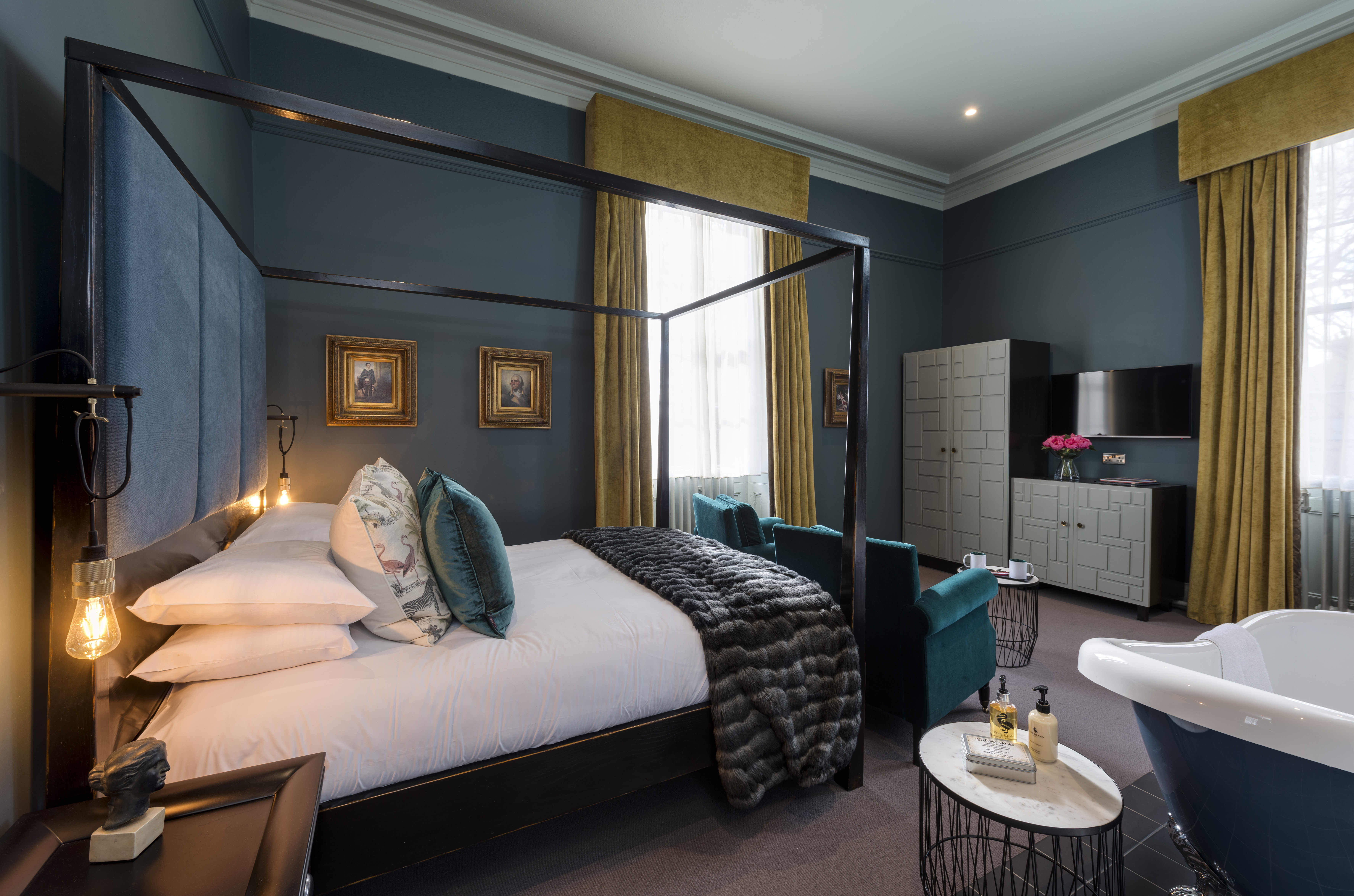 A Luxury Four Poster Bedroom